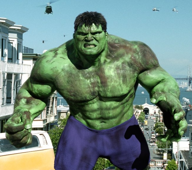 http://deltorofilms.com/wp/wp-content/uploads/2010/11/the-hulk-od-2003.jpg